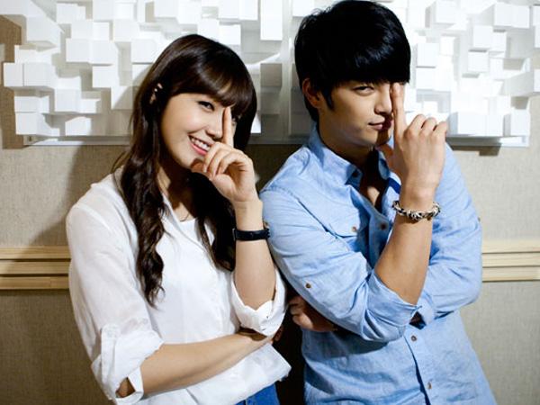 Yeayy! Pasangan 'Reply 1997' Eunji dan Seo In Guk akan Reunian Duet di 'tvN10 Awards'
