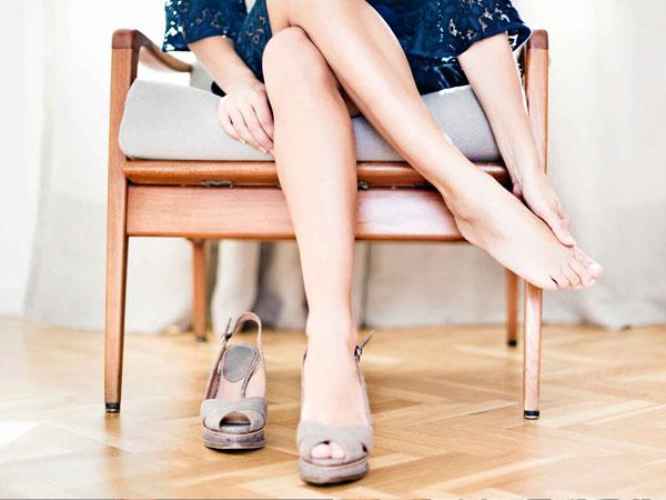 Hal-hal Mengejutkan yang Terjadi Saat Berhenti Memakai Sepatu Hak Tinggi