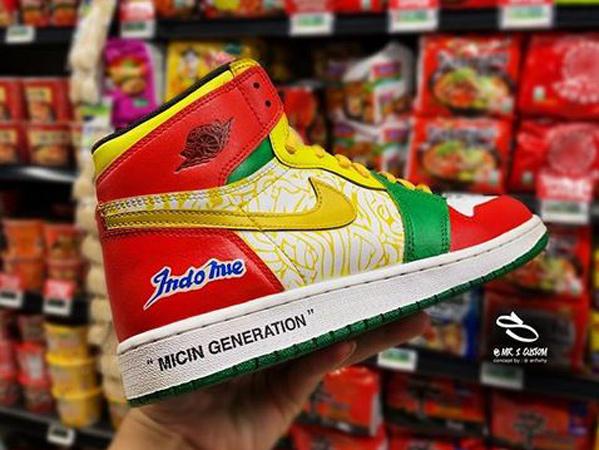 Viral Sepatu Indomie x Nike Jordan 1 Karya Anak Bangsa