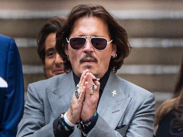 Mundur dari Fantastic Beast, Johnny Depp Tetap Dibayar Penuh