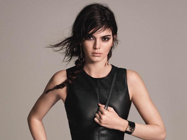 Jarang Terlihat Bersama Pria, Kendall Jenner Dirumorkan Lesbian?