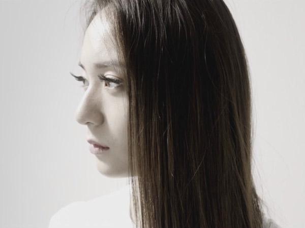 Ingin Lepas Dari Belenggu, Krystal f(x) Tampil Spooky nan Elegan di MV 'I Don't Wanna Love You'