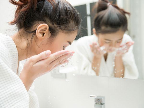 Cara Memilih Cleanser yang Tepat Sesuai dengan Jenis Kulit Wajah