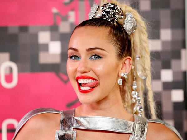 Kena Kasus Plagiarisme, Miley Cyrus Kena Tuntutan Sampai Triliunan!