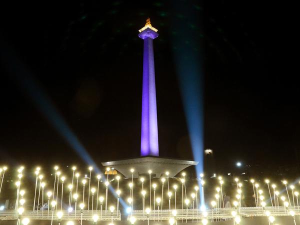 Wisata Jakarta Melonjak, Monas Resmikan Wisata Malam Hari