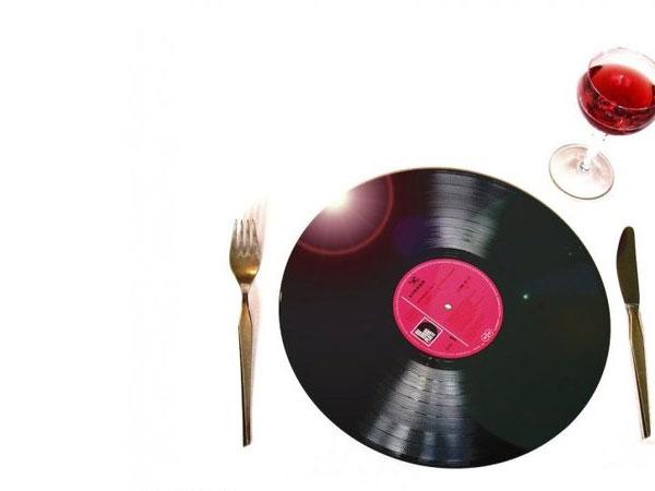 Jenis Musik Tertentu Ternyata Bisa Buat Makanan Lebih Lezat!