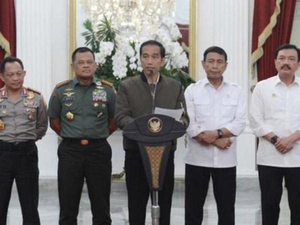 Kenakan Jaket Bomber Saat Berpidato 'Demo 4 November', Penampilan Presiden Jokowi Jadi Viral