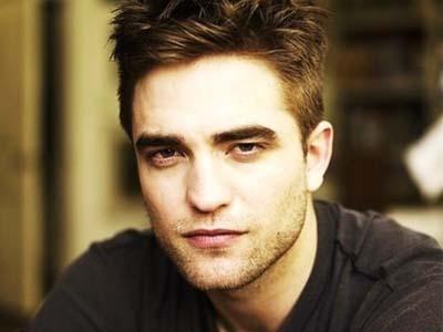 Beradegan Intim dengan Wanita yang Lebih Tua di 'Maps to The Star', Apa Kata Robert Pattinson?