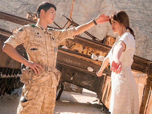 Staf Produksi Bocorkan Gaya PDKT Song-Song Couple Saat Syuting 'Descendants of the Sun'