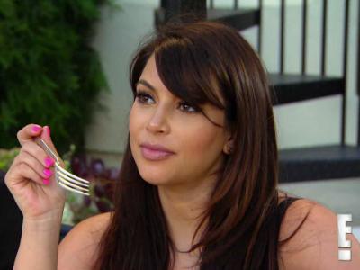 Kim Kardashian Ingin Makan Ari-Arinya Sendiri?