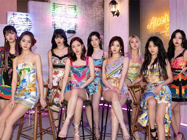 TWICE Jadi Girl Group K-Pop Pertama yang Bertahan di Chart Billboard 200 Selama 3 Minggu