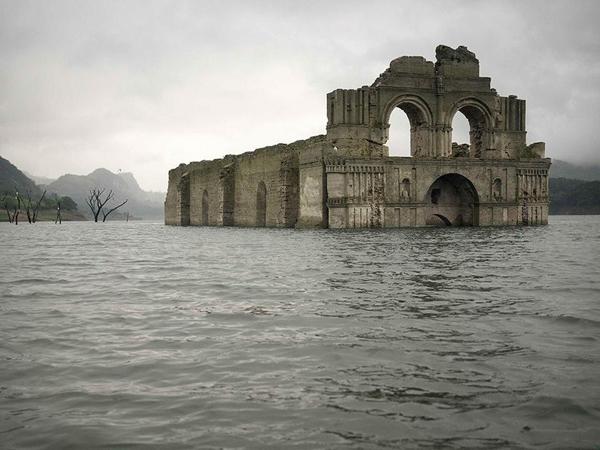 Kekeringan, Gereja Abad ke-16 Muncul Kembali ke Permukaan Waduk