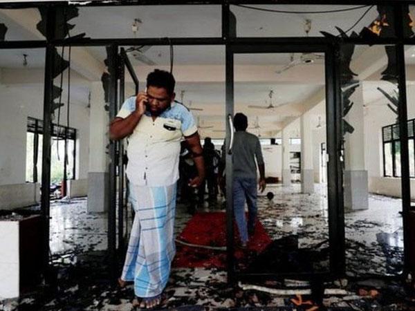 Penerapan Jam Malam di Tengah Penyebaran Kekerasan Anti Muslim