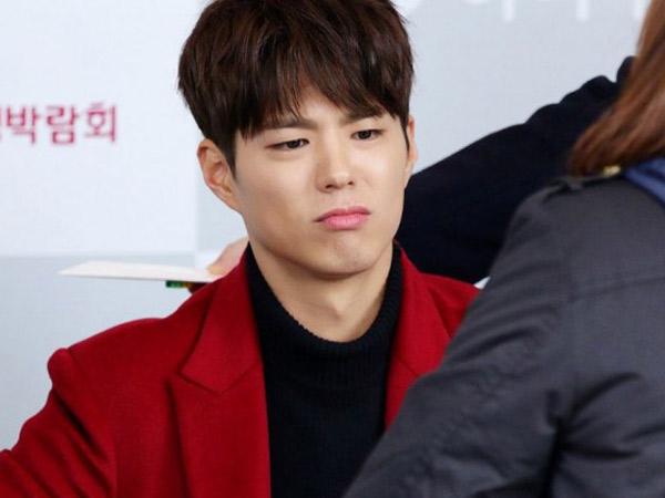 Pasang Wajah Cemberut Saat Jumpa Fans, Ada Apa dengan Park Bo Gum?