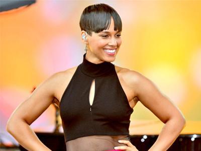 Alicia Keys Potong Rambut Cepak Berponi
