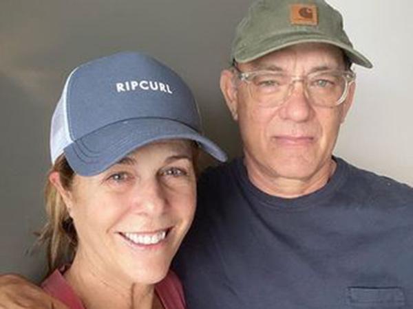 Selesai Karantina 14 Hari, Tom Hanks dan Rita Wilson Pulang ke Rumah