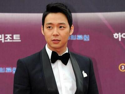 Untuk Ketiga Kalinya Yoochun JYJ Sabet Penghargaan Aktor Terpopuler!