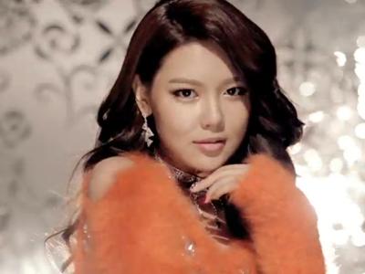 Girls' Generation Dukung Sooyoung Saat Di Lokasi Syuting