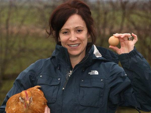 Wow, Wanita Ini Jual Sebutir Telur Unik dengan Harga Fantastis! Apa Istimewanya?