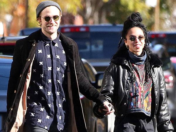 Makin Serius, FKA Twigs Ungkapkan Rasa Cintanya Pada Robert Pattinson