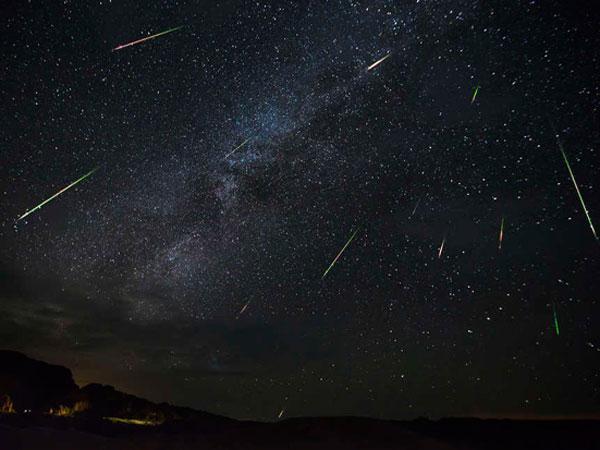 Cara Menikmati Hujan Meteor yang Akan Turun Pada Malam Ini