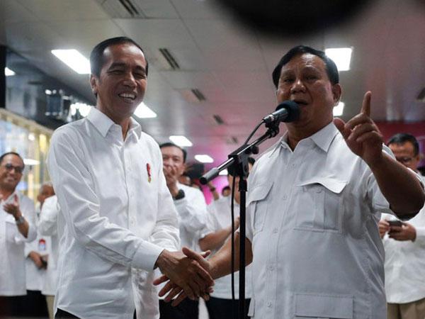 Tak Hanya Pujian, Kritikan Juga Menerpa Prabowo Terkait Pertemuan 'Nyelonong' dengan Jokowi