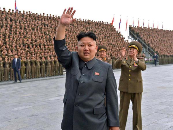 Serukan Anti-Rokok di Korut, Kim Jong Un Malah Ketahuan Merokok
