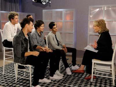 One Direction Senang Dipameri Payudara Fans