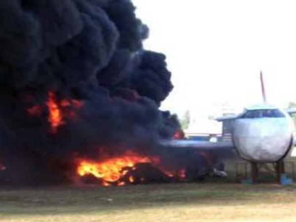 Pesawat Latih Jatuh, Pilot Luka Bakar 90 Persen