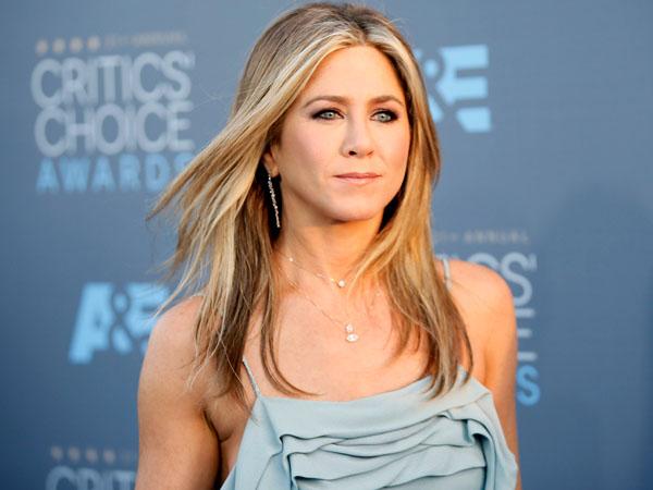 Tak Lagi Muda, Jennifer Aniston Kembali Dianugrahi Wanita Tercantik di Dunia!