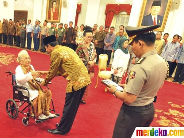 Ini 5 Tokoh yang Dinobatkan Jokowi Jadi Pahlawan Nasional Baru
