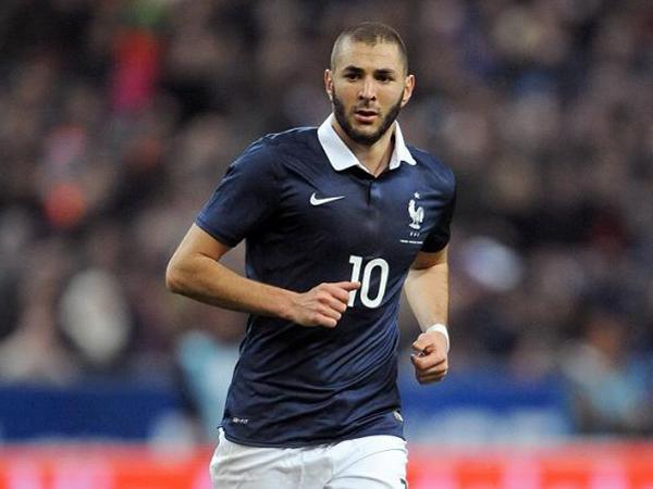 Meludah Usai Lagu Kebangsaan Prancis Diputar, Benzema Diminta Keluar dari Timnas