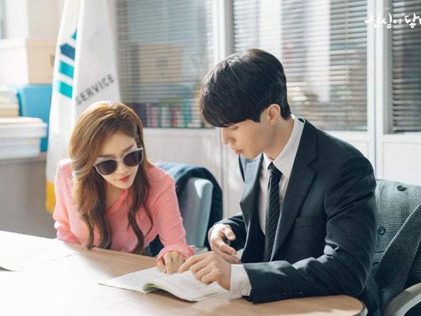 Potret Sempurna Yoo In Na dan Lee Dong Wook di Balik Layar 'Touch Your Heart'