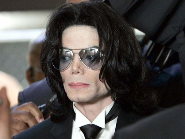 Terkuak, Michael Jackson Ingin Nikahi Emma Watson Kecil