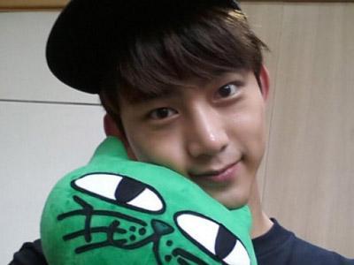 Wah, Taecyeon 2PM Ngetweet Pakai Bahasa Indonesia!