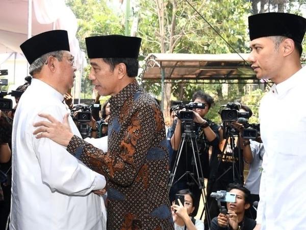 Ungkapan Haru Nan Sedih SBY di Sambutan Pemakaman Sang Ibunda