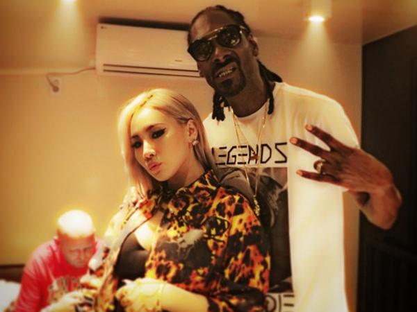 CL 2NE1 Kembali Eksis dengan Rapper Amerika Snoop Dogg
