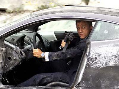 Sering Ugal-ugalan di Film, Daniel Craig Tidak Punya SIM