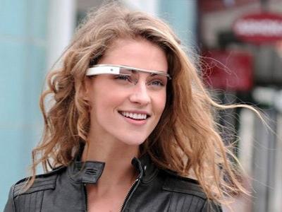 Google Glass Lengkapi Earphone Untuk Tutupi Kekurangan
