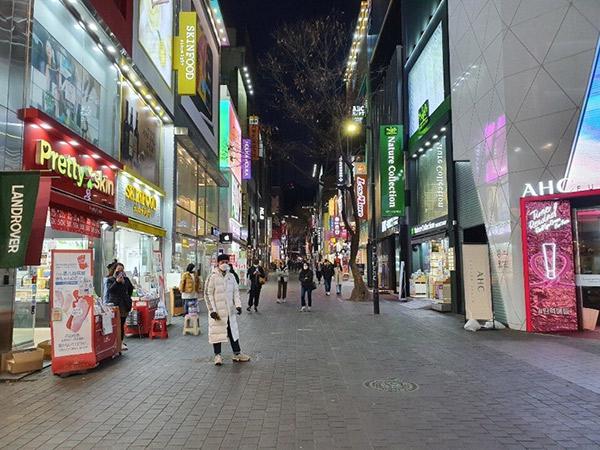 Potret Sepinya Myeongdong, Pusat Belanja yang Lumpuh Akibat Pandemi