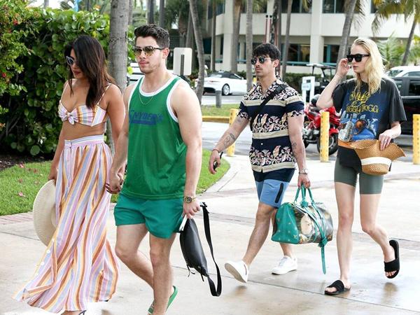 Double Date Nick Jonas dan Joe Jonas di Miami, Sekaligus Syuting Musik Video Terbaru Jonas Brothers?