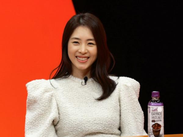 Lee Yeon Hee Cerita Soal Pernikahan, Yakin Suami Jodohnya Sejak Pertama Kali Bertemu