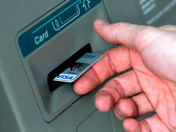 Hii, Bakteri di Mesin ATM Sama Seperti Toilet Umum?