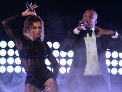 Beyonce dan Jay-Z Sajikan Adegan 'Panas' di Panggung Grammy Awards 2014!