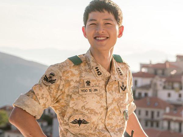 Tetap Tampan, Intip Song Joong Ki di Balik Layar Syuting 'Descendants Of The Sun' Yuk!