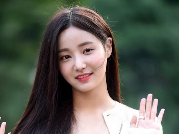 Yeonwoo MOMOLAND Curhat Belum Dapat Bayaran Sejak Debut Hingga Populer