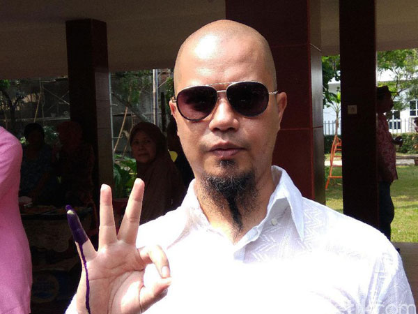 Miris, Ahmad Dhani 'Diusir' Dari Kampung Halamannya Sendiri?