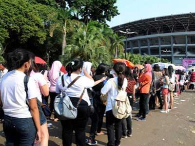Gate Dibuka, Penonton Serbu Arena Konser