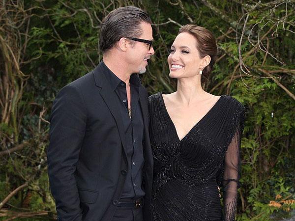 Brad Pitt & Angelina Jolie Akhirnya Resmi Menikah!