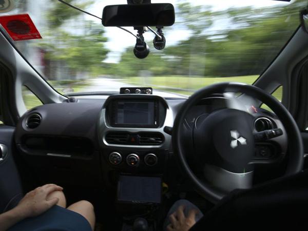 Keren, Kini Ada Taksi Tanpa Supir Yang Bisa Dinaiki Traveler Saat Berlibur!